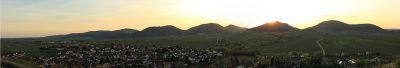 1000px-Panorama_-_Kleine_Kalmit